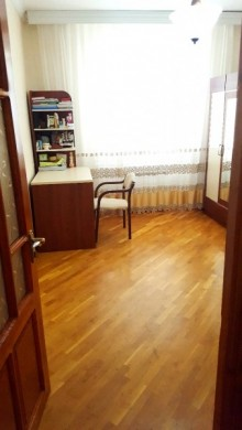 Sale Old building, Binagadi.r, 8 mikr, Azadlig.m-14
